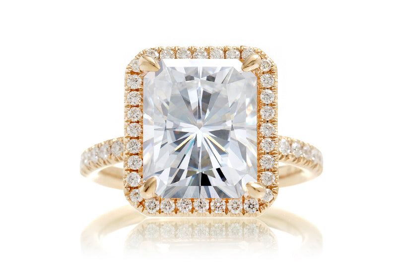 The Drenched Radiant Halo Moissanite