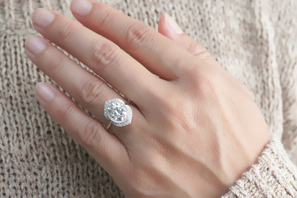 The Simone Oval Moissanite