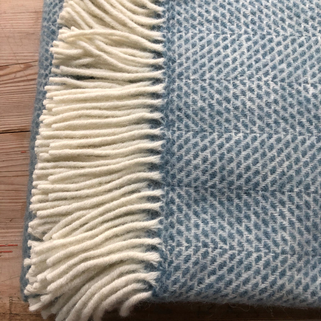 Tweedmill Beehive Petrol Throw