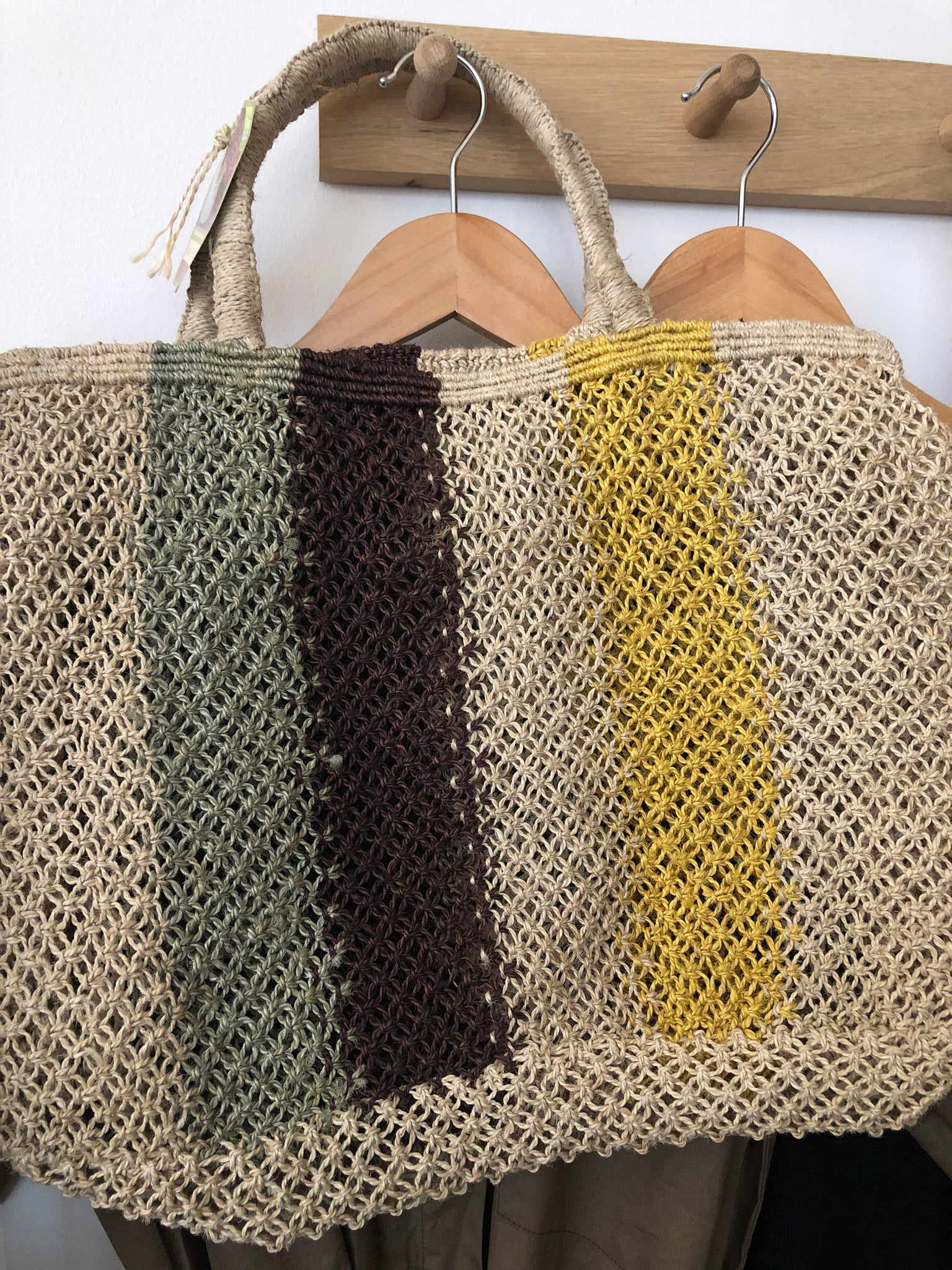 Maison Bengal - Jute macrame Bag with aubergine vertical stripes