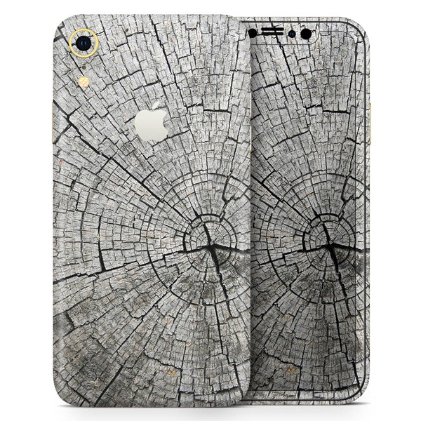 Aged Cracked Tree Stump Core - Skin-Kit for the Apple iPhone XR, XS MAX, XS/X, 8/8+, 7/7+, 5/5S/SE (All iPhones Available)
