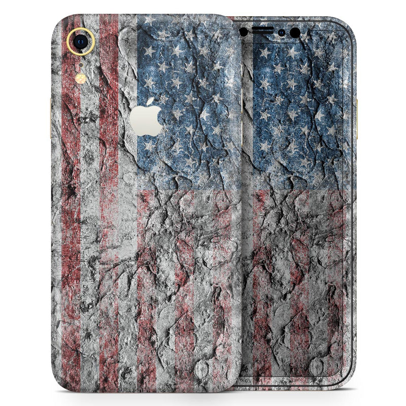 Aged and Wrinkled American Flag - Skin-Kit for the Apple iPhone XR, XS MAX, XS/X, 8/8+, 7/7+, 5/5S/SE (All iPhones Available)