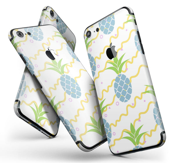 Animated_Retro_Pineapples_-_iPhone_7_-_FullBody_4PC_v11.jpg