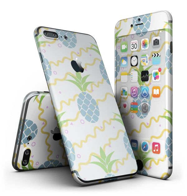 Animated_Retro_Pineapples_-_iPhone_7_Plus_-_FullBody_4PC_v2.jpg