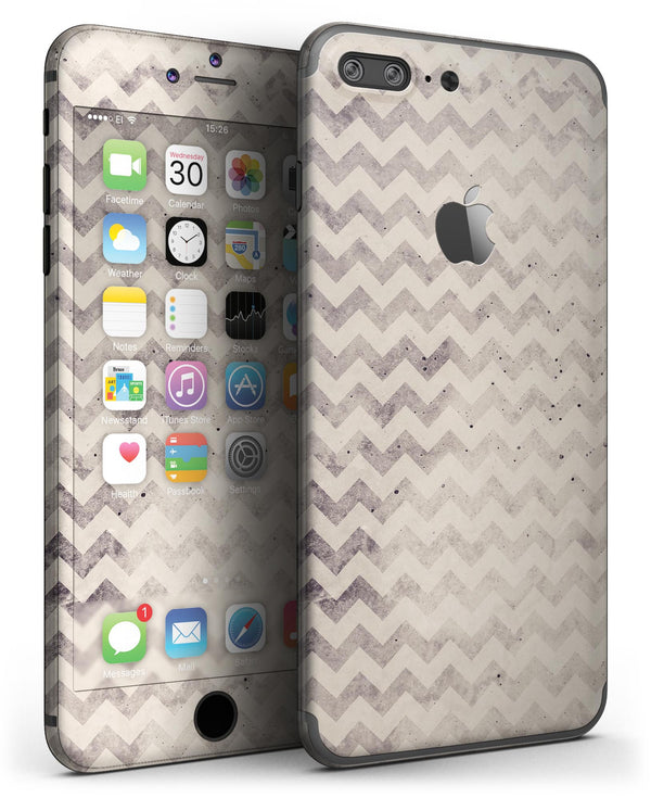 Faded_Black_and_White_Chevron_Pattern_-_iPhone_7_Plus_-_FullBody_4PC_v3.jpg