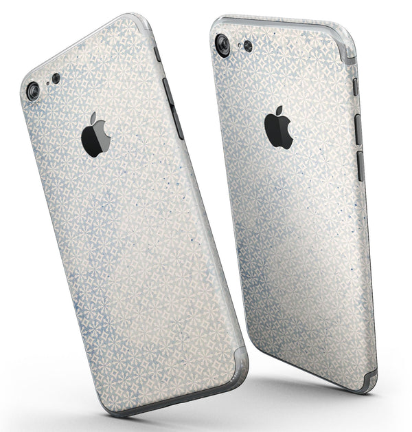 Faded_Blue_and_White_Snowflake_Pattern_-_iPhone_7_-_FullBody_4PC_v3.jpg