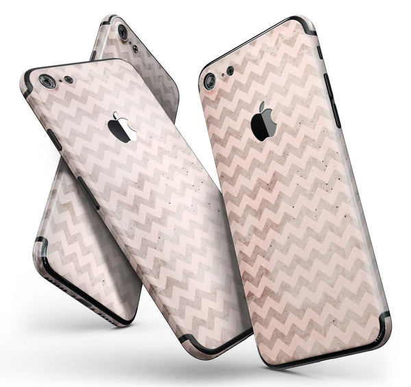 Faded_Cocoa_and_Light_Pink_Chevron_Pattern_-_iPhone_7_-_FullBody_4PC_v11.jpg