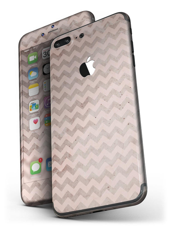 Faded_Cocoa_and_Light_Pink_Chevron_Pattern_-_iPhone_7_Plus_-_FullBody_4PC_v4.jpg