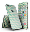 Faded_Green_Chevron_Pattern_-_iPhone_7_Plus_-_FullBody_4PC_v2.jpg