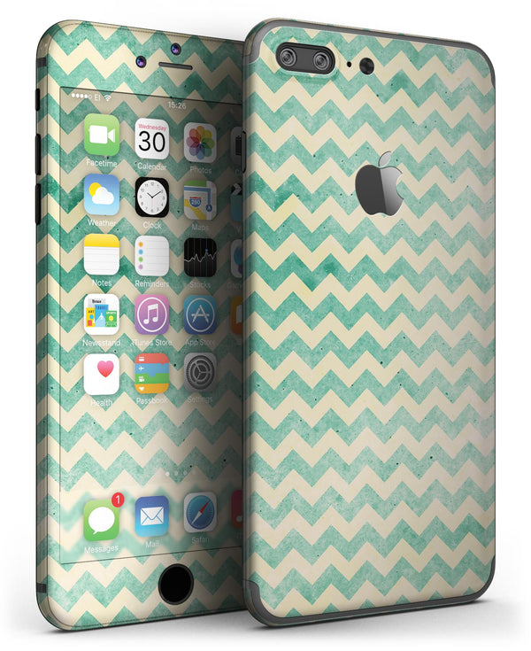 Faded_Green_Chevron_Pattern_-_iPhone_7_Plus_-_FullBody_4PC_v3.jpg