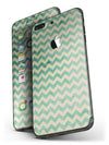 Faded_Green_Chevron_Pattern_-_iPhone_7_Plus_-_FullBody_4PC_v4.jpg