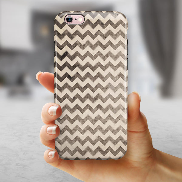Grungy Faded Horizontal Chevron Pattern iPhone 6/6s or 6/6s Plus 2-Piece Hybrid INK-Fuzed Case