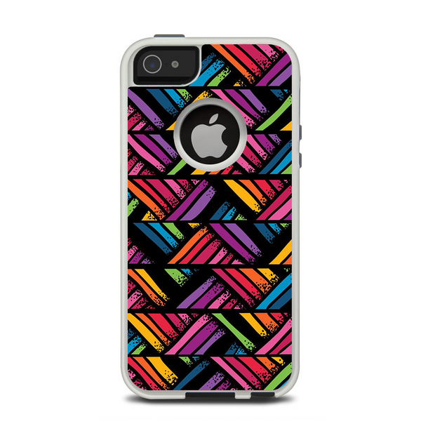 The Abstract Zig Zag Color Pattern Apple iPhone 5-5s Otterbox Commuter Case Skin Set