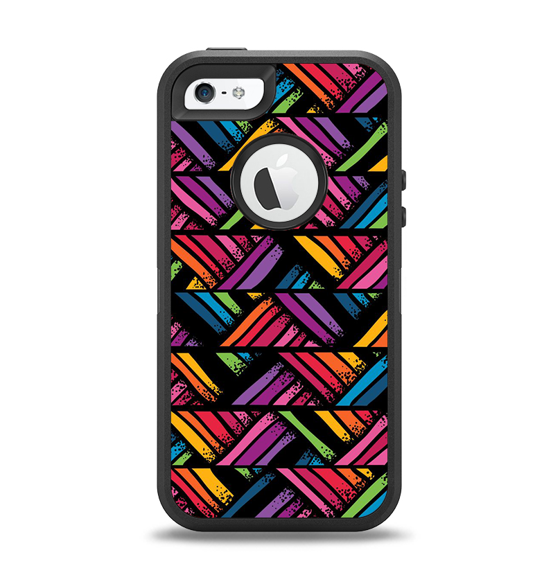 The Abstract Zig Zag Color Pattern Apple iPhone 5-5s Otterbox Defender Case Skin Set