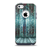 The Aged Blue Victorian Striped Wall Skin for the iPhone 5c OtterBox Commuter Case