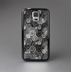 The Back & White Abstract Swirl Pattern Skin-Sert Case for the Samsung Galaxy S5