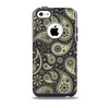 The Black & Vintage Green Paisley Skin for the iPhone 5c OtterBox Commuter Case