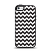 The Black & White Chevron Pattern Apple iPhone 5-5s Otterbox Symmetry Case Skin Set