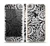 The Black & White Mirrored Floral Pattern V2 Skin Set for the Apple iPhone 5s