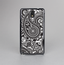 The Black and White Paisley Pattern V6 Skin-Sert Case for the Samsung Galaxy Note 3