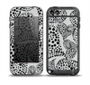 The Black and White Spotted Hearts Skin for the iPod Touch 5th Generation frē LifeProof Case