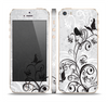 The Black and White Vector Butterfly Floral Skin Set for the Apple iPhone 5s