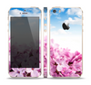 The Blue Sky Pink Flower Field Skin Set for the Apple iPhone 5s