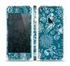 The Blue & White Floral Sketched Lace Patterns v21 Skin Set for the Apple iPhone 5s