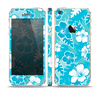 The Blue & White Hawaiian Floral Pattern V4 Skin Set for the Apple iPhone 5s