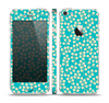 The Blue and Yellow Floral Pattern V43 Skin Set for the Apple iPhone 5