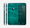 The Bright Emerald Green Wood Planks Skin for the Apple iPhone 6 Plus