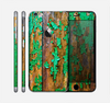 The Chipped Bright Green Wood Skin for the Apple iPhone 6 Plus