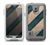 The Dark Blue & Highlighted Grunge Strips Skin for the Samsung Galaxy S5 frē LifeProof Case