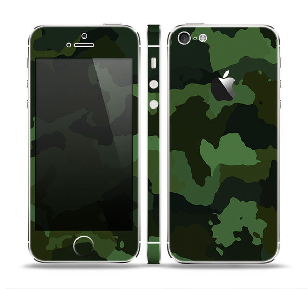 The Dark Green Camouflage Textile Skin Set for the Apple iPhone 5