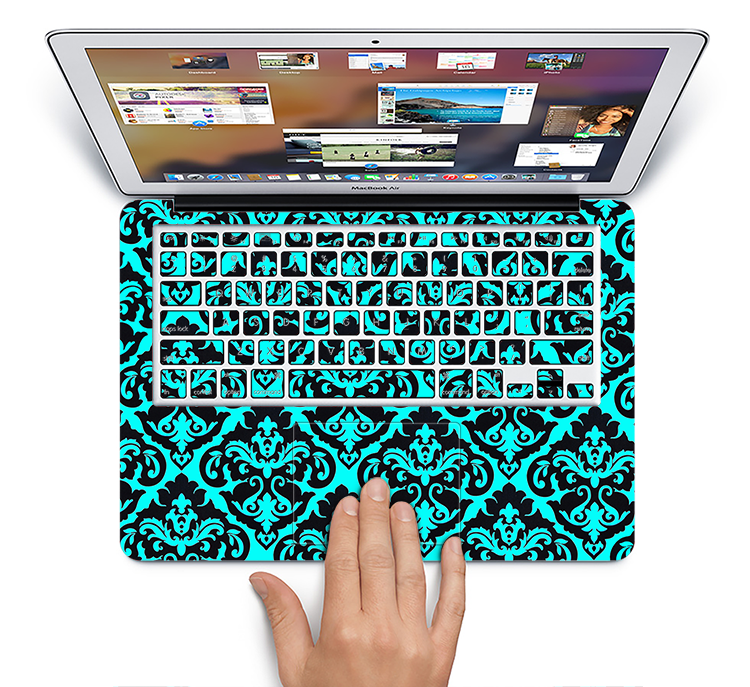 "The Delicate Pattern Blank Skin Set for the Apple MacBook Pro 15"" with Retina Display"