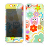 The Fun-Colored Cartoon Owls Skin for the Apple iPhone 5s