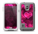The Glowing Pink Outlined Hearts Skin for the Samsung Galaxy S5 frē LifeProof Case