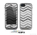 The Gray Toned Wide Vintage Chevron Pattern Skin for the Apple iPhone 5c LifeProof Case