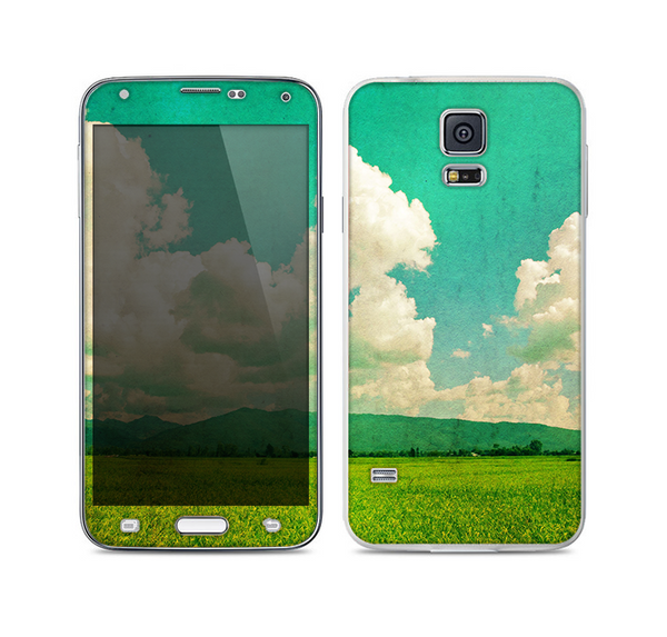The Green Vintage Field Scene Skin For the Samsung Galaxy S5
