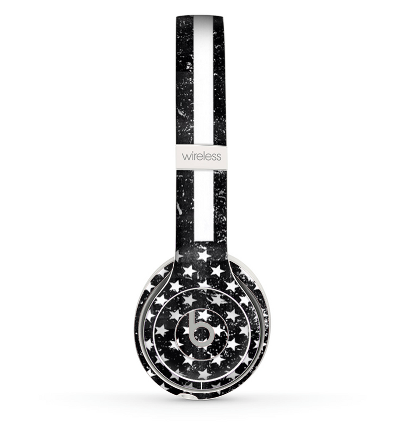 The Grunge Black and White American Flag Skin Set for the Beats by Dre Solo 2 Wireless Headphones