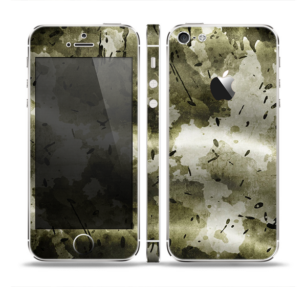 The Grungy Vivid Camouflage Skin Set for the Apple iPhone 5