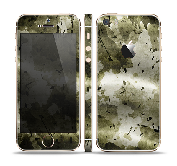 The Grungy Vivid Camouflage Skin Set for the Apple iPhone 5s