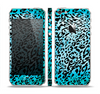 The Hot Teal Cheetah Animal Print Skin Set for the Apple iPhone 5
