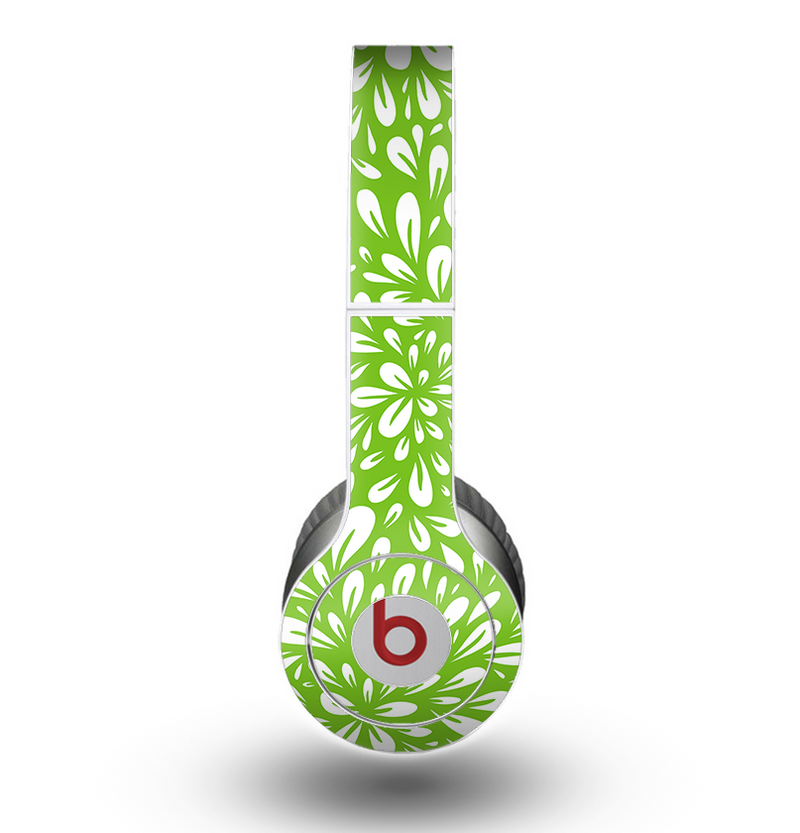 The Light Green & White Floral Sprout Skin for the Beats by Dre Original Solo-Solo HD Headphones