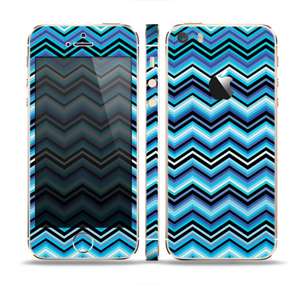 The Navy Blue Thin Lined Chevron Pattern V2 Skin Set for the Apple iPhone 5s
