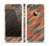 The Red, Green and Black Abstract Traditional Camouflage Skin Set for the Apple iPhone 5s
