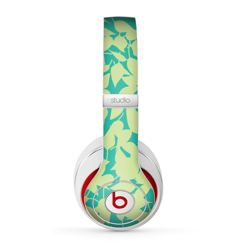 The Subtle Green Seamless Leaves Skin for the Beats by Dre Studio (2013+ Version) Headphones