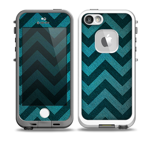 The Teal Grunge Chevron Pattern Skin for the iPhone 5-5s fre LifeProof Case