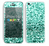 The Aqua Green Glimmer Skin for the Apple iPhone 5c
