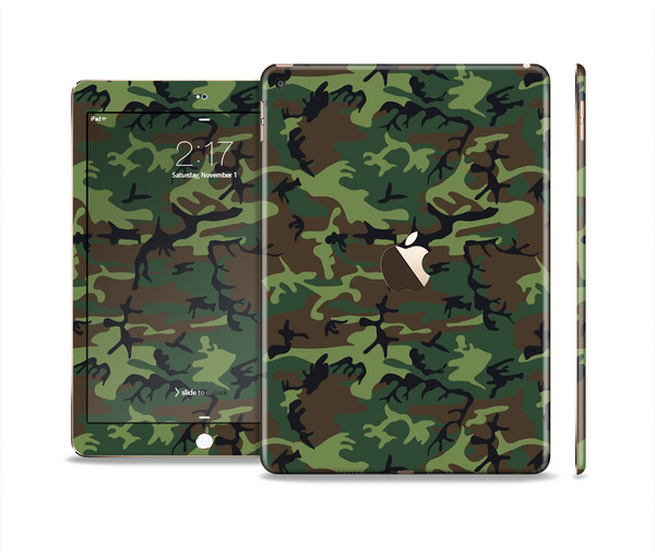 The Traditional Green Camouflage Skin Set for the Apple iPad Pro